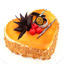 Butter Scotch Heart Shape Cake Half Kg